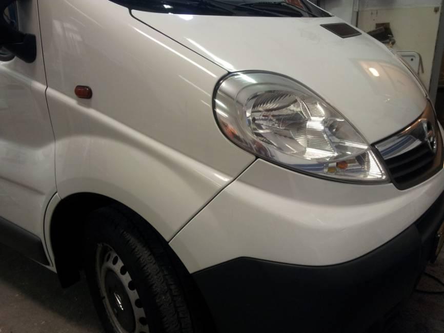 Opel Vivaro met hefdak (afgerond)