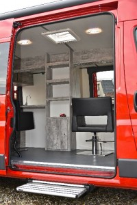 Mobiele kapsalon customcamp for Kapsalon interieur te koop