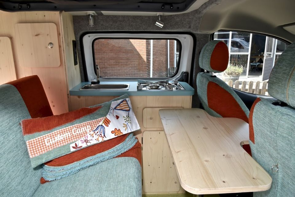 Peugeot expert ombouwen tot camper wroc awski informator for Auto interieur reinigen zelf