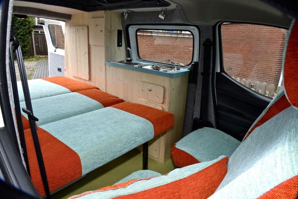 Bus naar camper customcamp for Auto interieur reinigen zelf