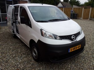 Nissan NV200 mincamper CustomCamp