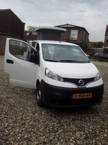 Nissan NV200 camper CustomCamp